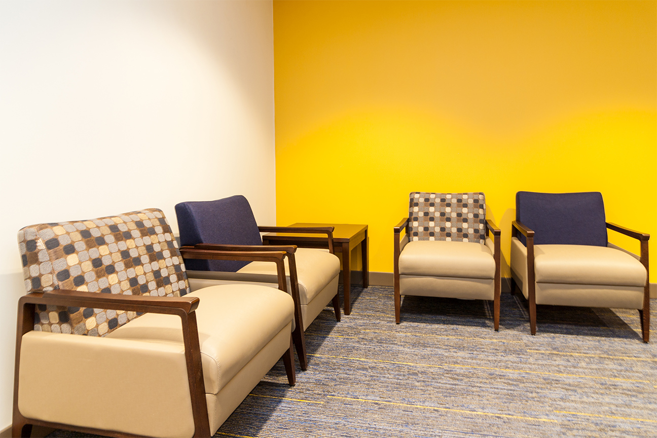 Bariatrics / Lounge / Seating / End Tables